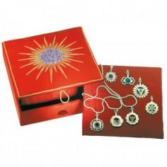 Chakra-Box mit allen 7 Chakra-Anhängern