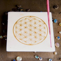 Marmor-Halter - goldene Lebensblume